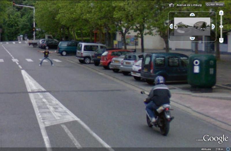 STREET VIEW : moto contre piéton Moto_c10