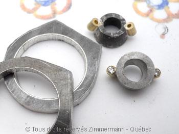 Bague argent et or, grenat 7 mm et deux diamants 2/100ct Baacb013