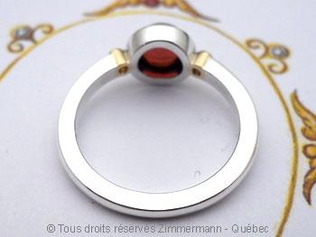Bague argent et or, grenat 7 mm et deux diamants 2/100ct Baacb017