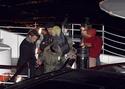 Pax comemora seu aniversario com sua familia em um barco em Paris. 0614