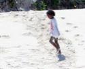 Filhos de Angelina e Brad passam o dia de Ação de Graças na praia - em Seychelles! 76986_10