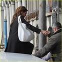"""Angelina,Brad e Pax saindo do Hotel """"Grand Canal"""" 17.02.10 Brad-p21"""