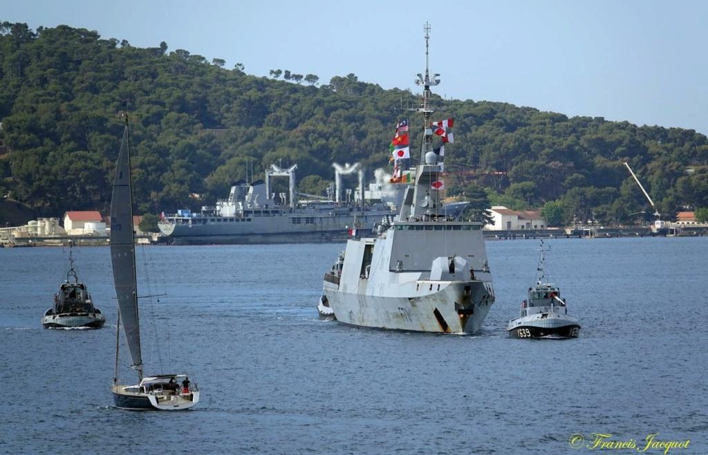 [Les ports militaires de métropole] 12° mission JEANNE D'ARC - Page 2 02282