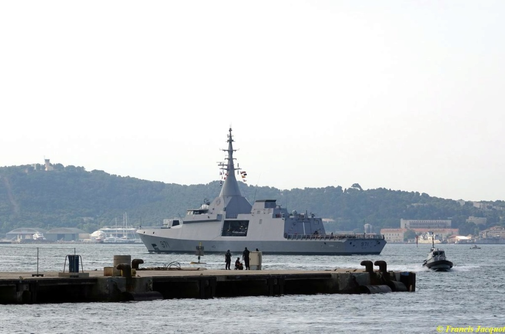 [Les ports militaires de métropole] Port de Toulon - TOME 1 - Page 38 04215