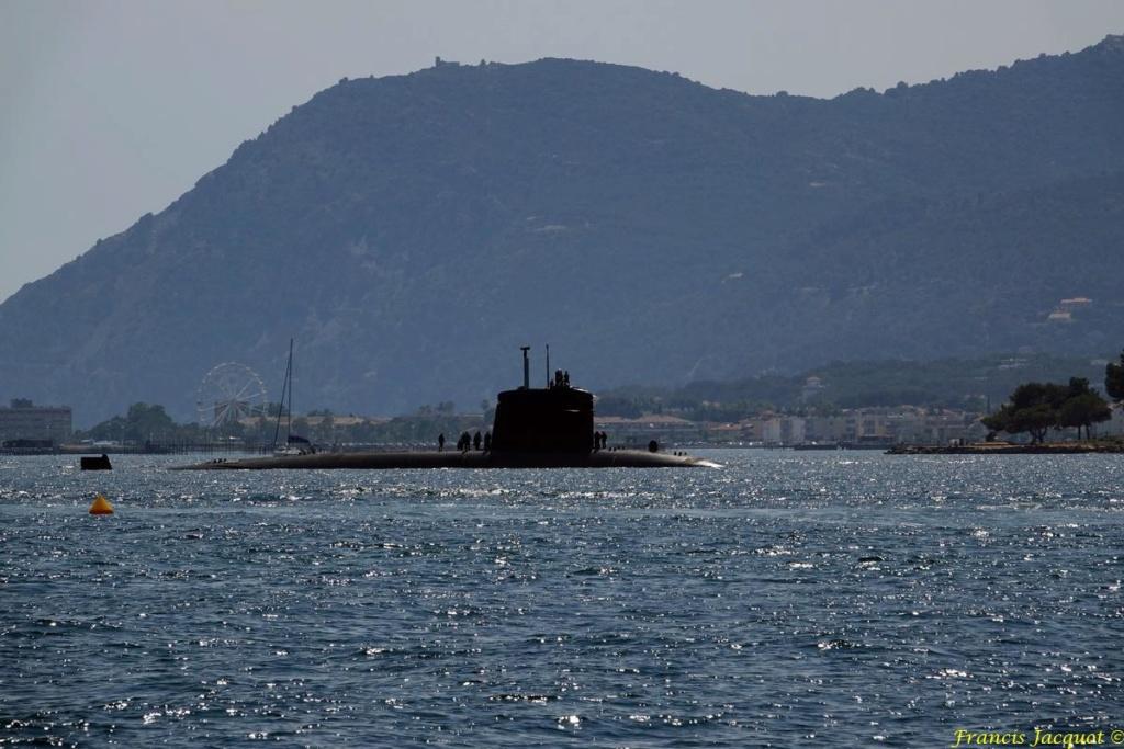 [LES PORTS MILITAIRES DE MÉTROPOLE] Mouvements de Bâtiments dans la rade de Toulon - Page 19 0425