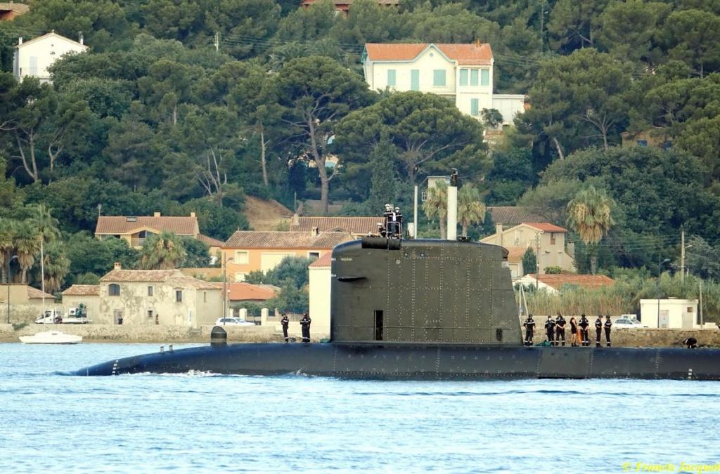 [Les ports militaires de métropole] Port de Toulon - TOME 1 - Page 38 05220