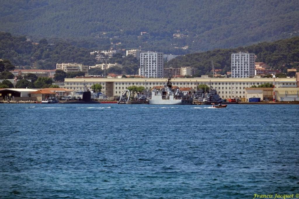 [LES PORTS MILITAIRES DE MÉTROPOLE] Mouvements de Bâtiments dans la rade de Toulon - Page 19 0921