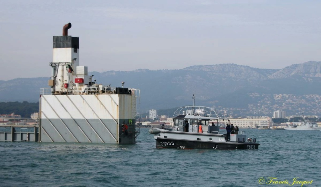 [Les ports militaires de métropole] Port de Toulon - TOME 1 - Page 43 20141