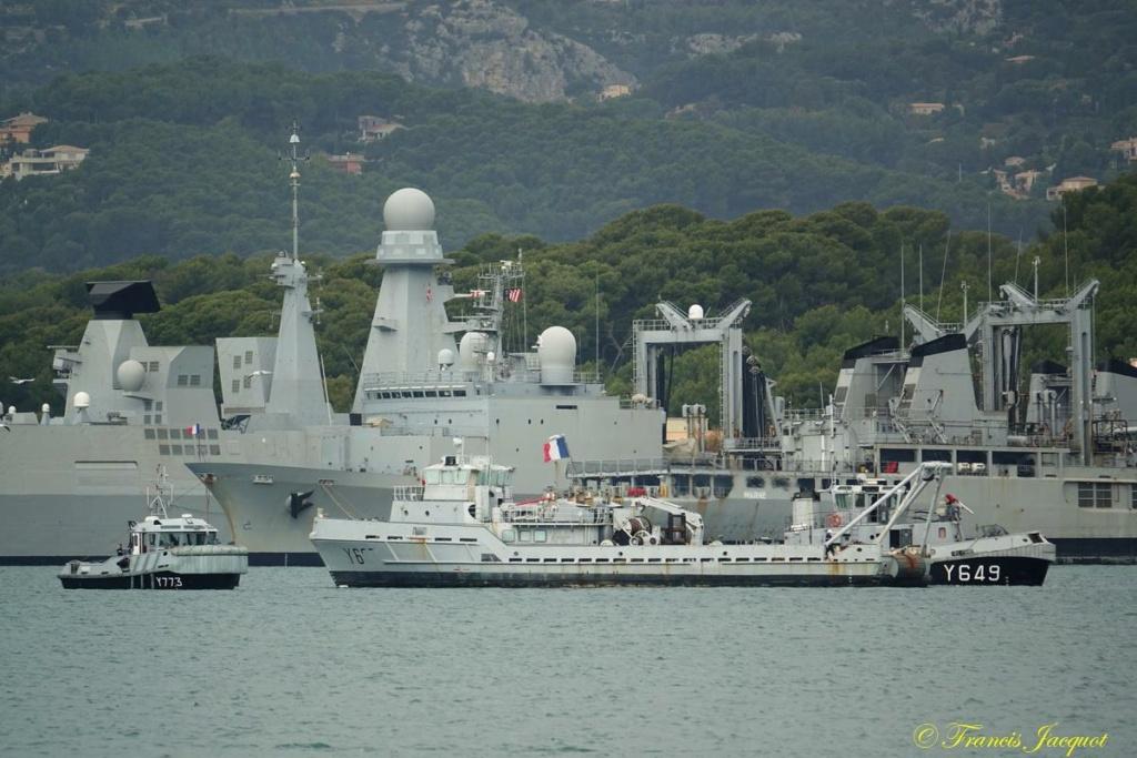 [Les ports militaires de métropole] Port de Toulon - TOME 1 - Page 40 Dsc01127