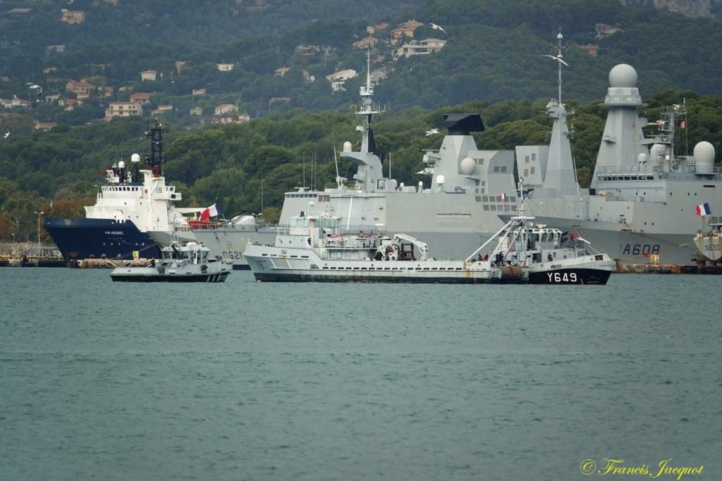 [Les ports militaires de métropole] Port de Toulon - TOME 1 - Page 40 Dsc01128