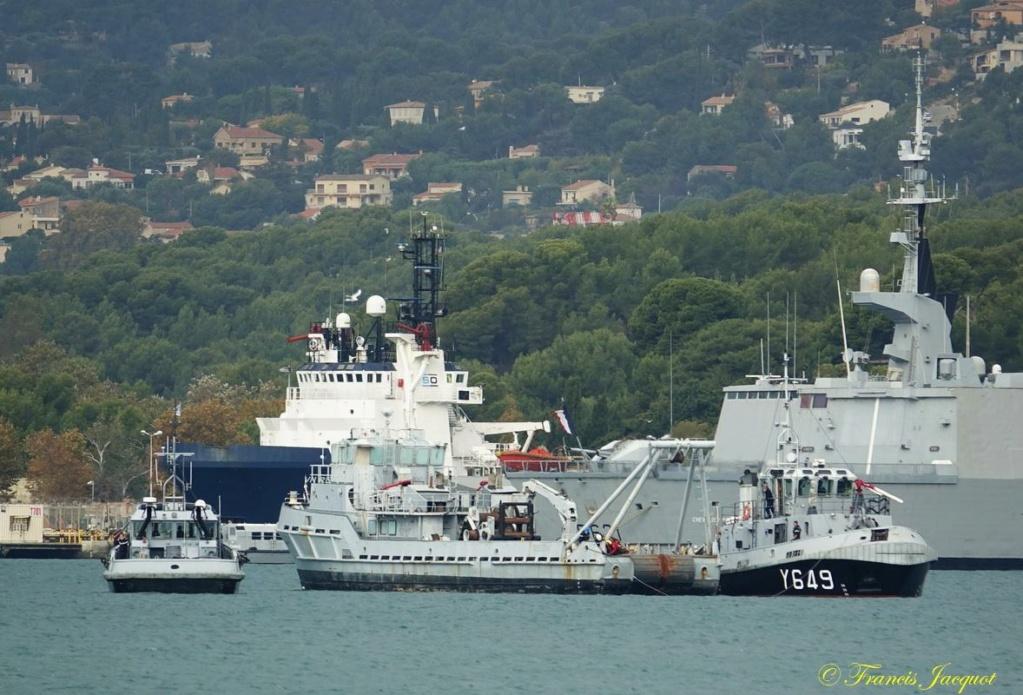 [Les ports militaires de métropole] Port de Toulon - TOME 1 - Page 40 Dsc01129