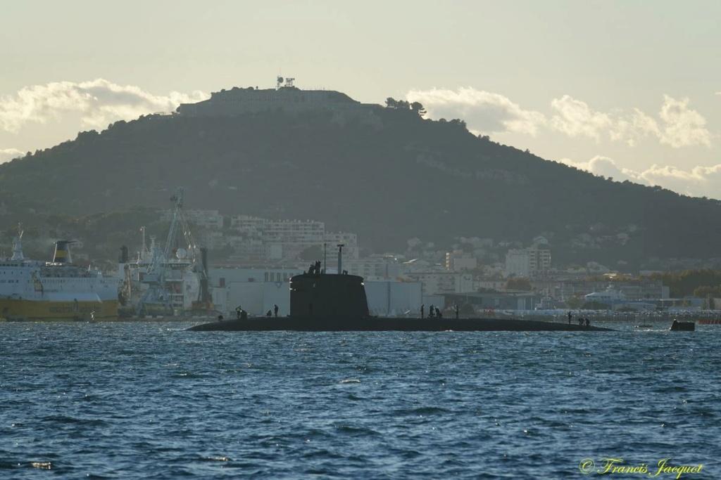 [Les ports militaires de métropole] Port de Toulon - TOME 1 - Page 40 Dsc01516