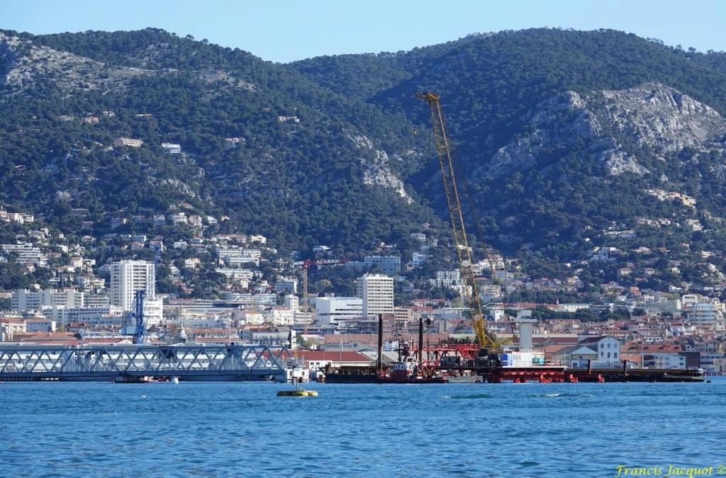 [LES PORTS MILITAIRES DE MÉTROPOLE] Mouvements de Bâtiments dans la rade de Toulon - Page 24 Dsc01821