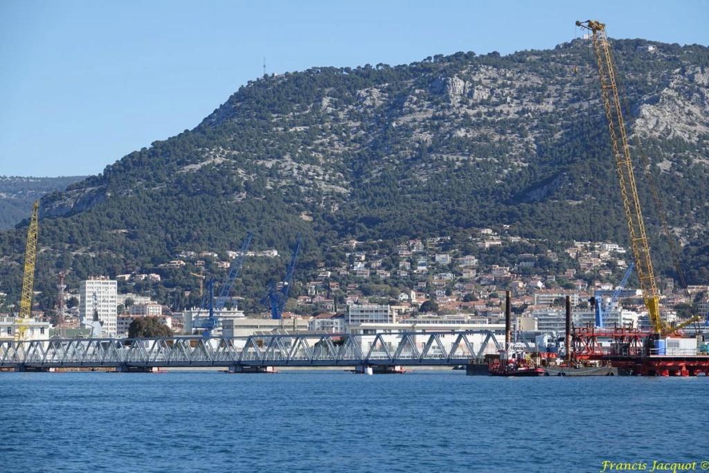 [LES PORTS MILITAIRES DE MÉTROPOLE] Mouvements de Bâtiments dans la rade de Toulon - Page 24 Dsc01822