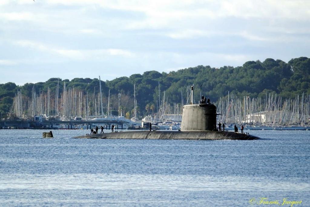[Les ports militaires de métropole] Port de Toulon - TOME 1 - Page 42 Dsc01826