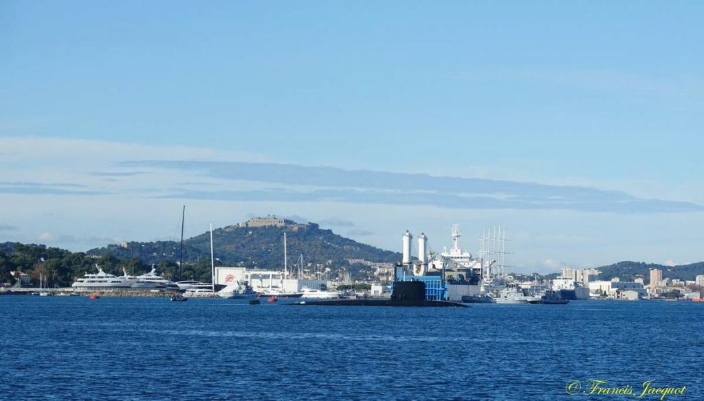 [Les ports militaires de métropole] Port de Toulon - TOME 1 - Page 42 Dsc01832
