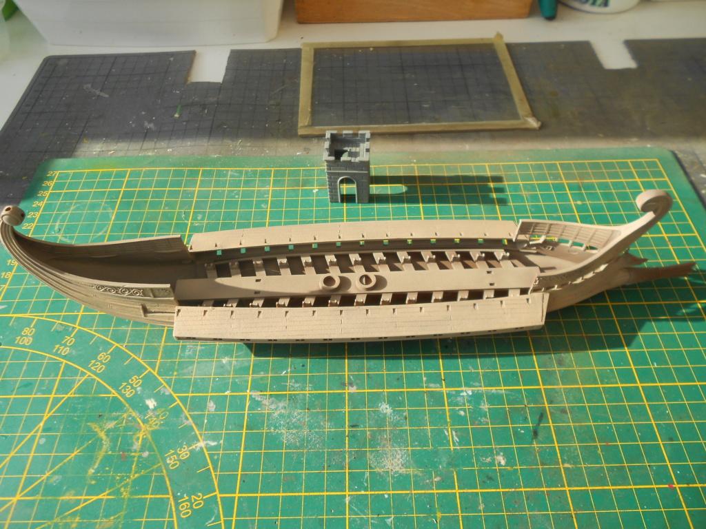 Roman Warship 1/72 Academy Bireme11