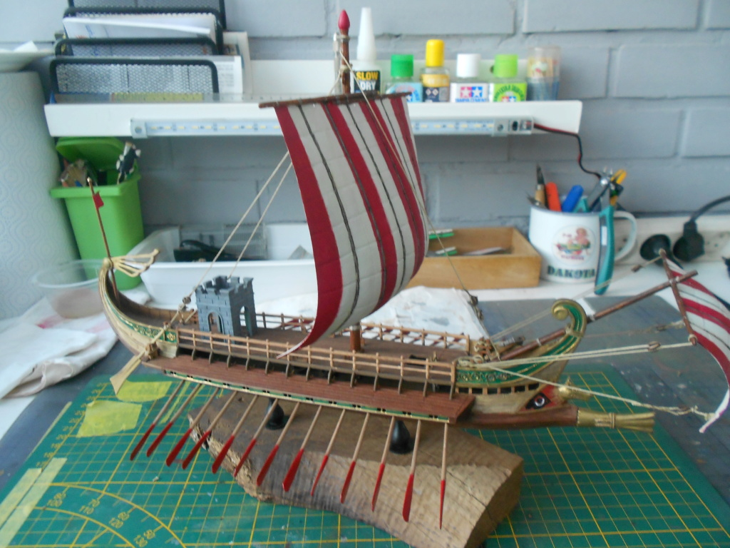 Roman Warship 1/72 Academy - Page 3 Cordag16