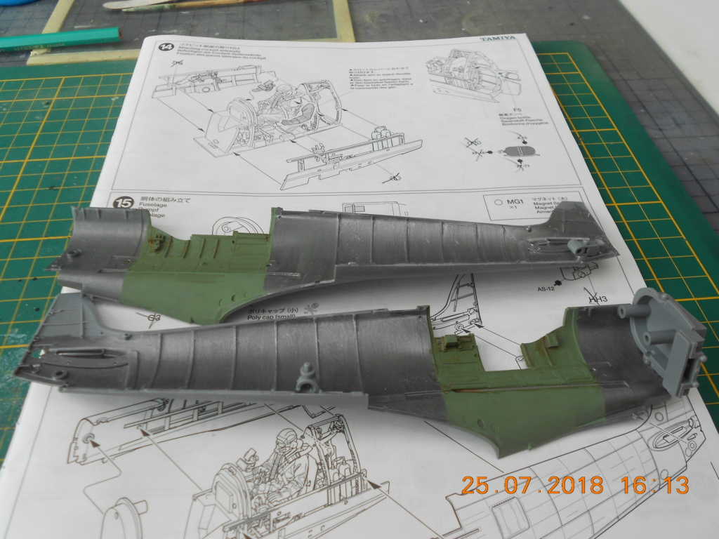 Supermarine Spitfire MK VIII 1/32 Tamiya  Dscn0143