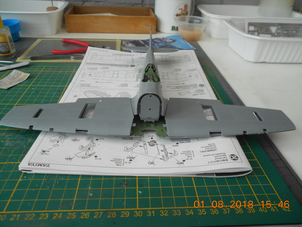 [TAMIYA] SUPERMARINE SPITFIRE Mk VIII 1/32ème Réf 60320 Dscn0167