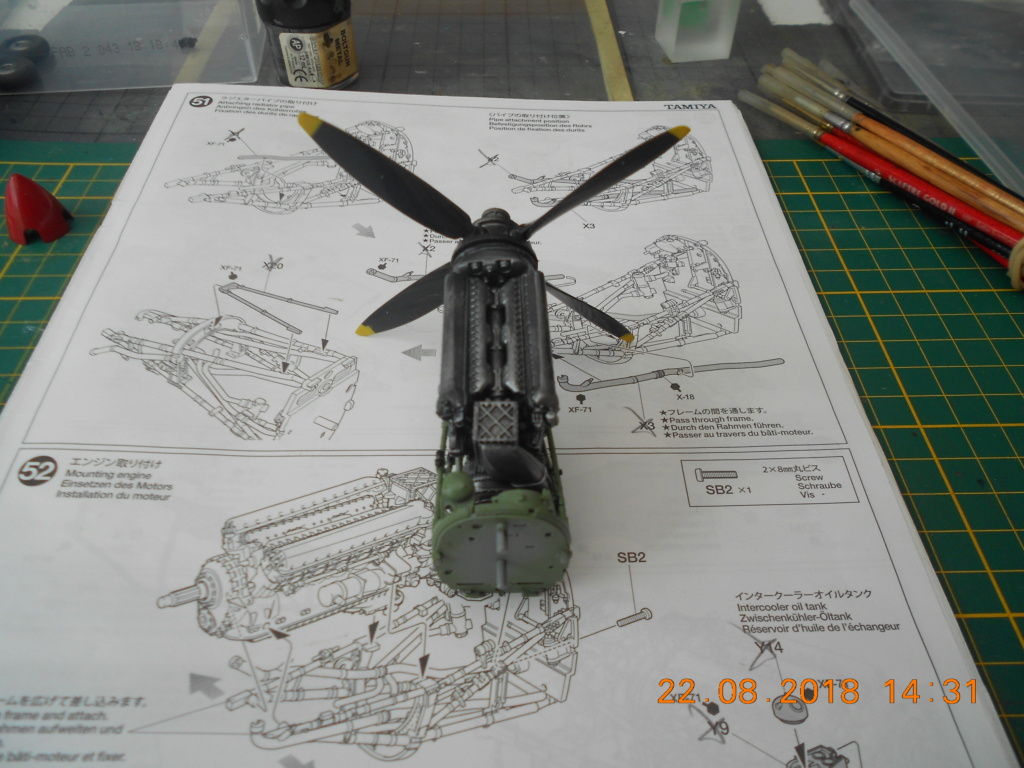 [TAMIYA] SUPERMARINE SPITFIRE Mk VIII 1/32ème Réf 60320 - Page 2 Dscn0203