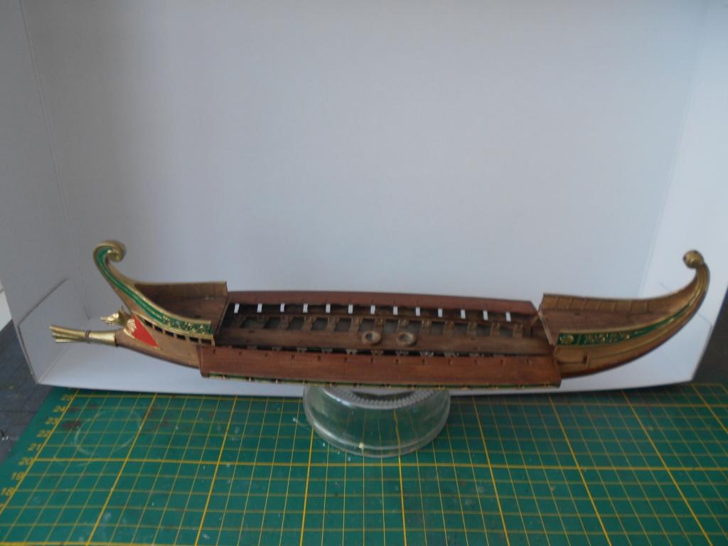 Roman Warship 1/72 Academy Dscn0286