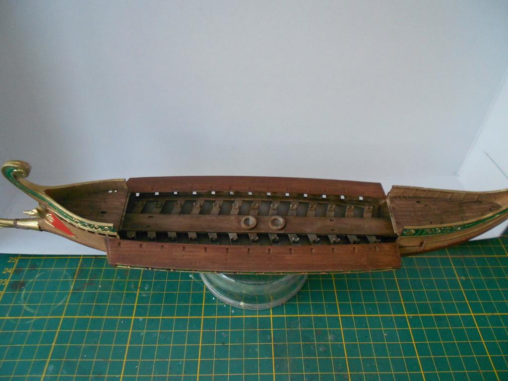 Roman Warship 1/72 Academy Dscn0287