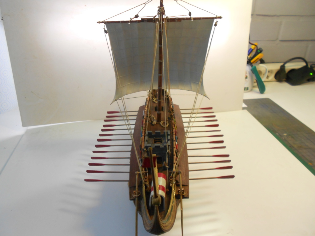Roman Warship 1/72 Academy - Page 4 Dscn0932
