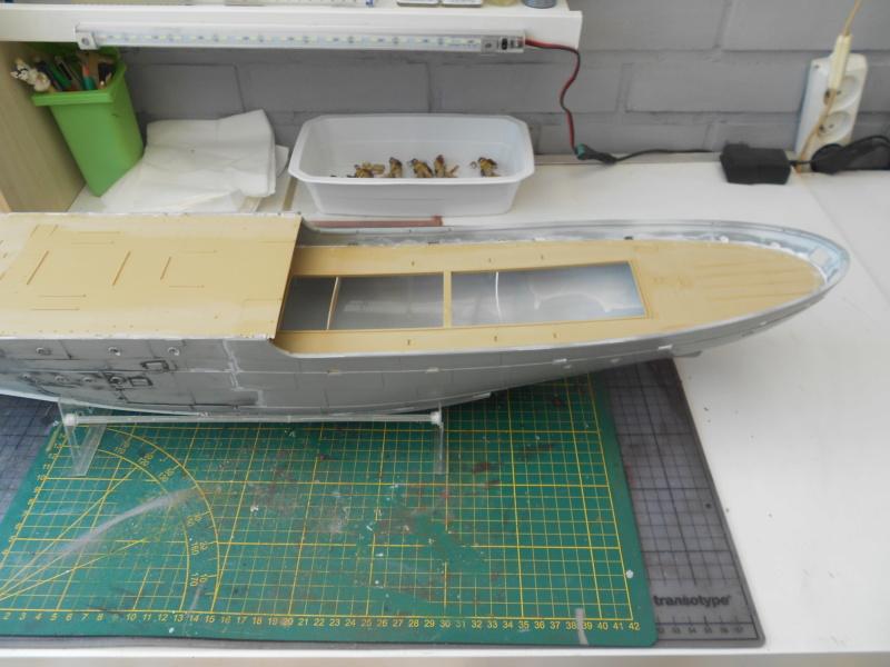 Corvette H.M.C.S. Snowberry Flower class - Revell - 1/72 Dscn1445