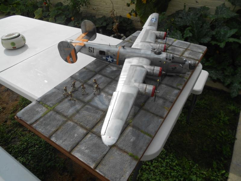 B-24J Liberator - Hobby Boss - 1/32 - Page 7 Dscn1475