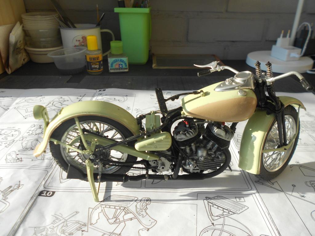 wla 750 1/9 italeri Harley Davidson   - Page 2 Dscn2264