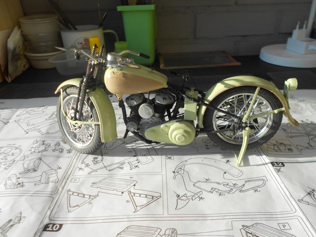 wla 750 1/9 italeri Harley Davidson   - Page 2 Dscn2265