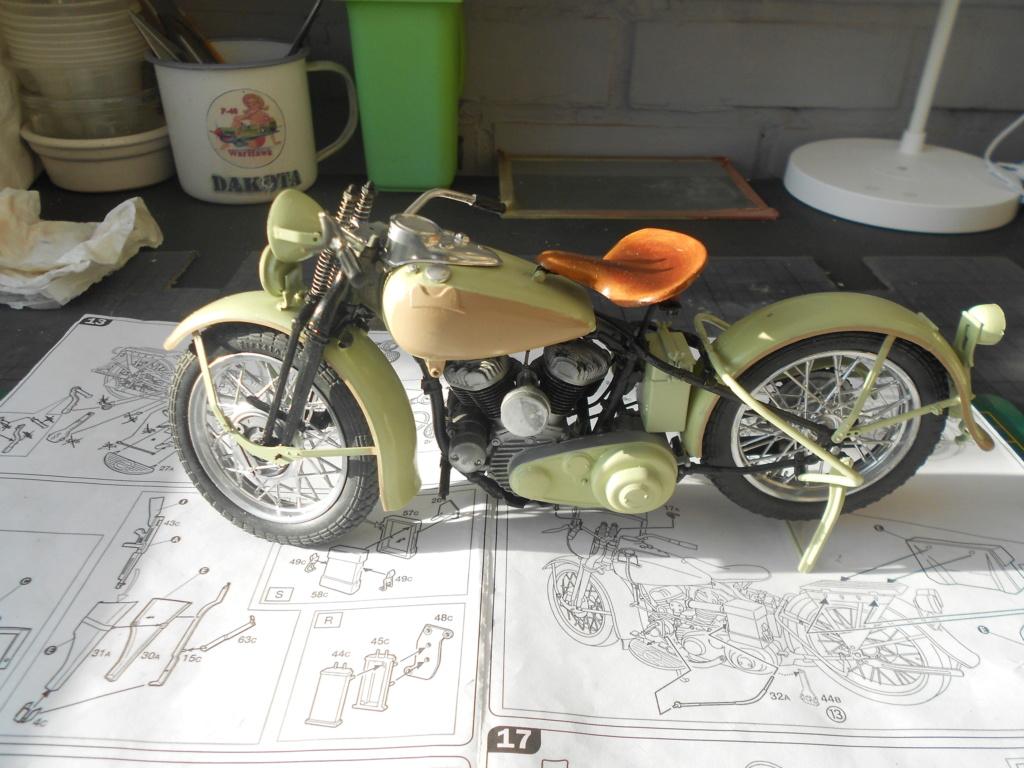 wla 750 1/9 italeri Harley Davidson   - Page 3 Dscn2276
