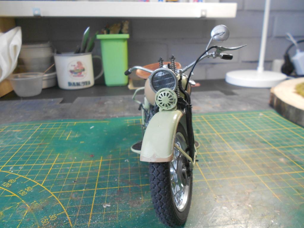 wla 750 1/9 italeri Harley Davidson   - Page 3 Dscn2307