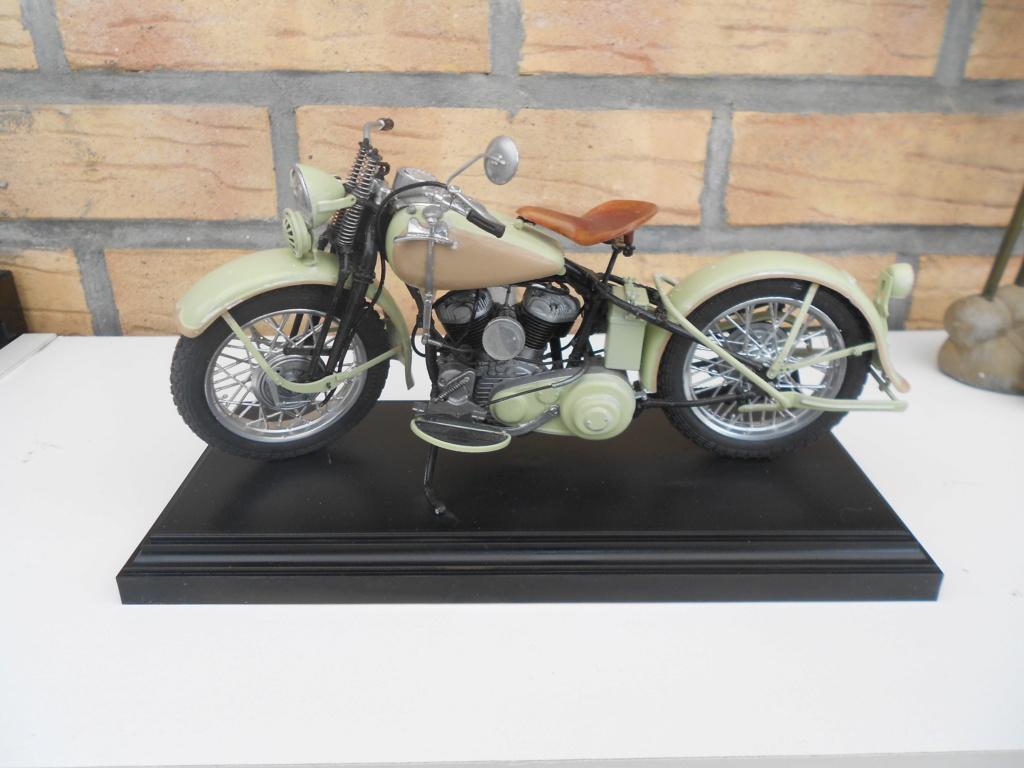 wla 750 1/9 italeri Harley Davidson   - Page 3 Dscn2340