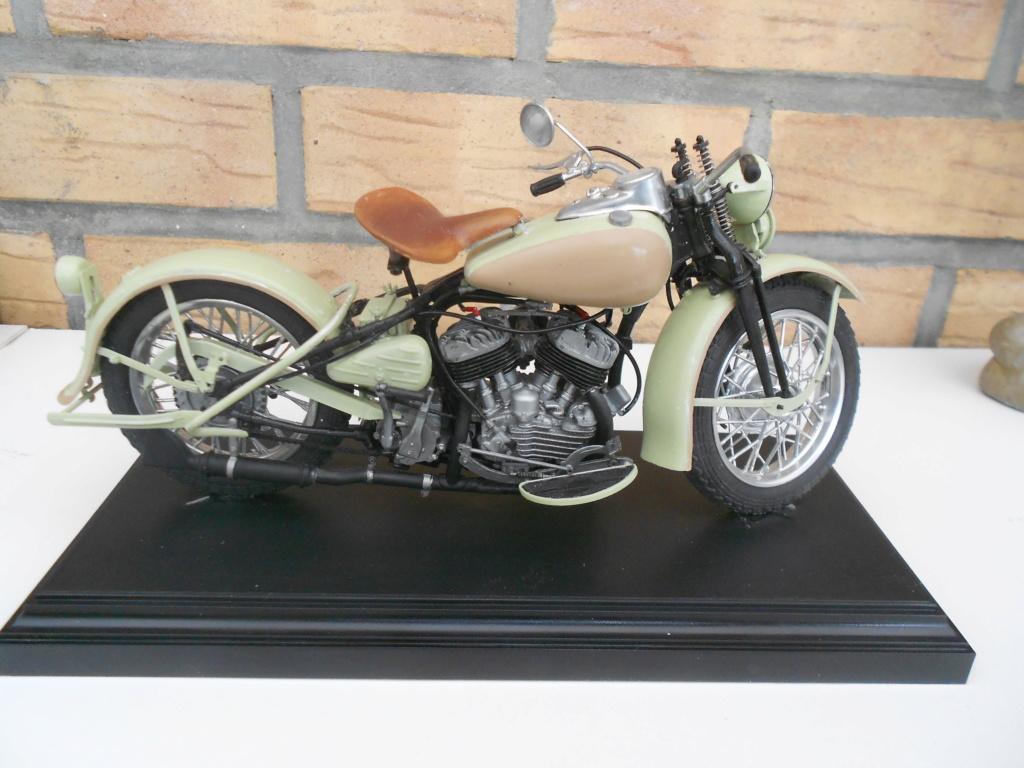 wla 750 1/9 italeri Harley Davidson   - Page 3 Dscn2341