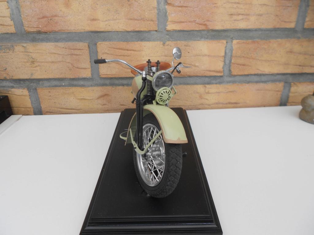 wla 750 1/9 italeri Harley Davidson   - Page 3 Dscn2343