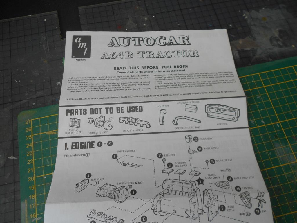 Autocar A64B Tractor 1/25 AMT Dscn3360