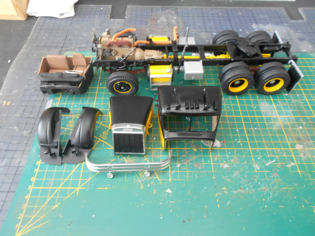 Autocar A64B Tractor 1/25 AMT - Page 2 Dscn3434