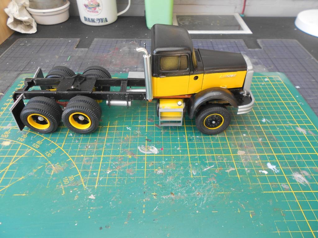 Autocar A64B Tractor 1/25 AMT - Page 2 Dscn3455