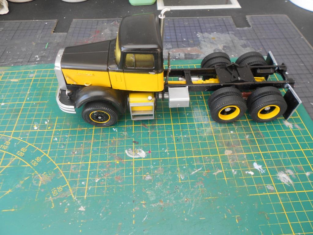 Autocar A64B Tractor 1/25 AMT - Page 2 Dscn3457