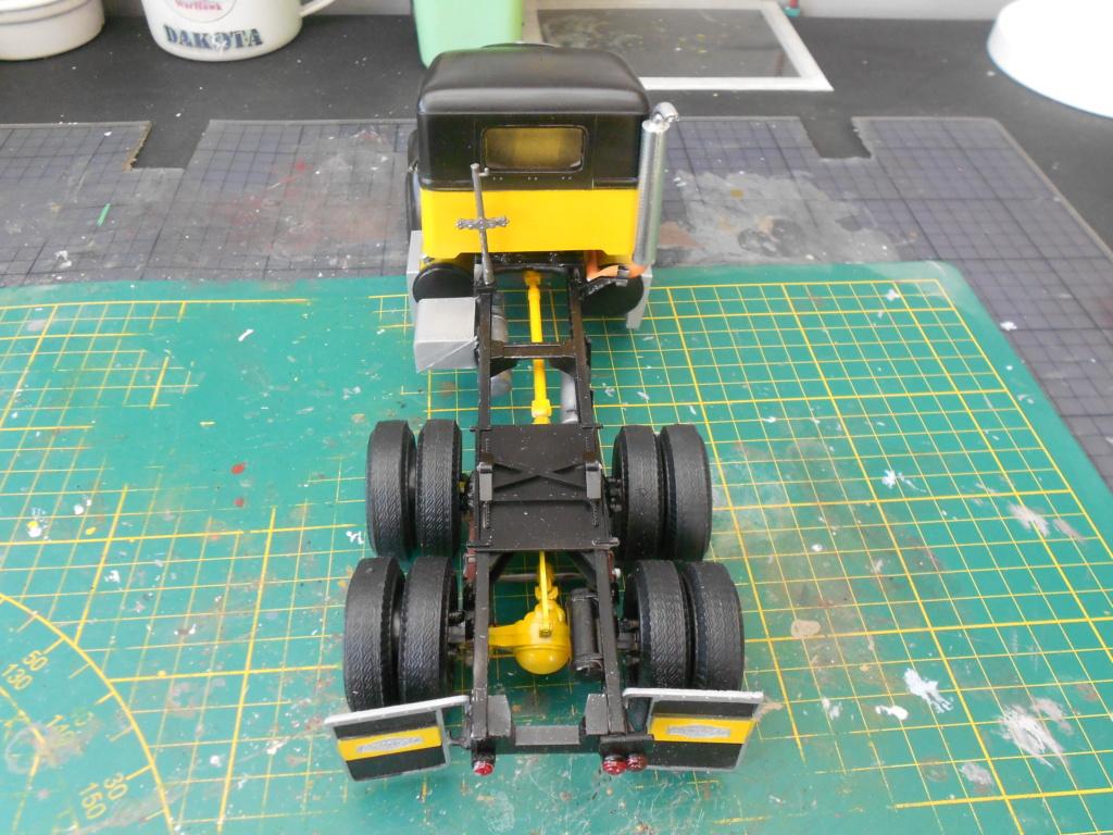 Autocar A64B Tractor 1/25 AMT - Page 2 Dscn3458