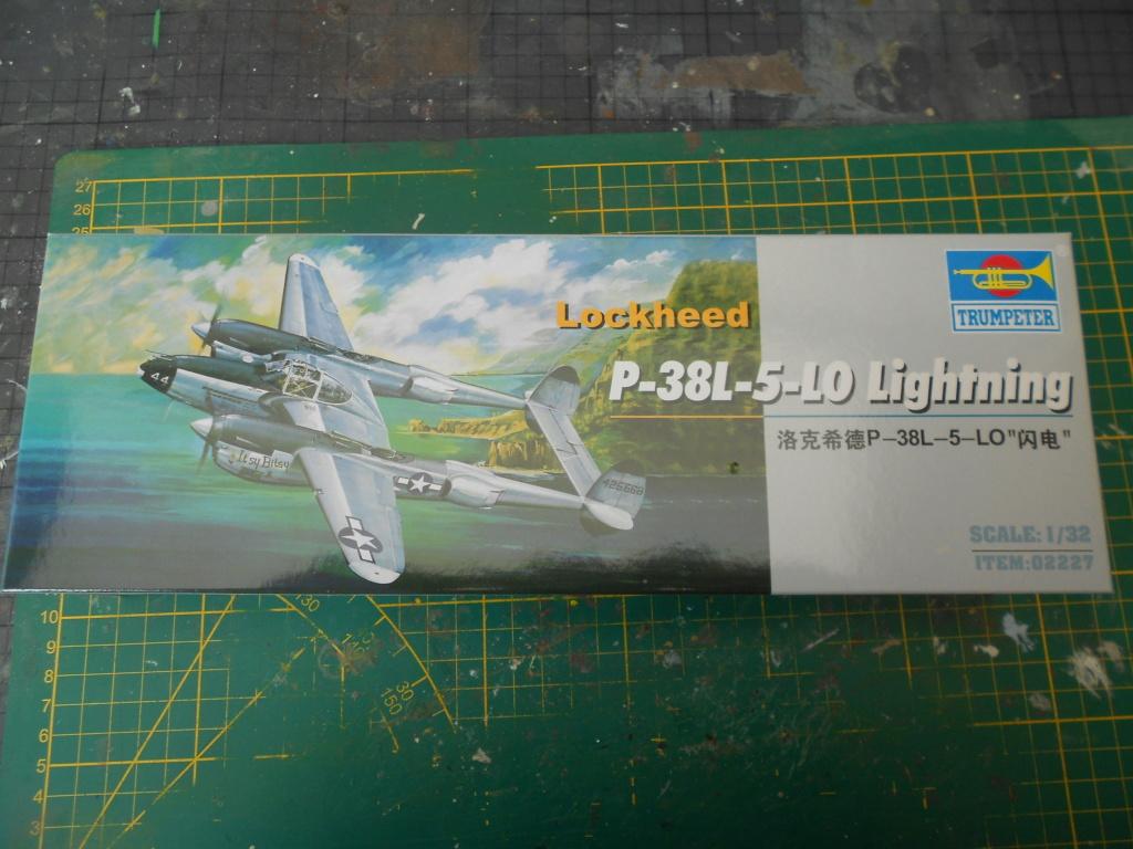 lockheed p-38l- 5-lo lightning 1/32  Dscn3513