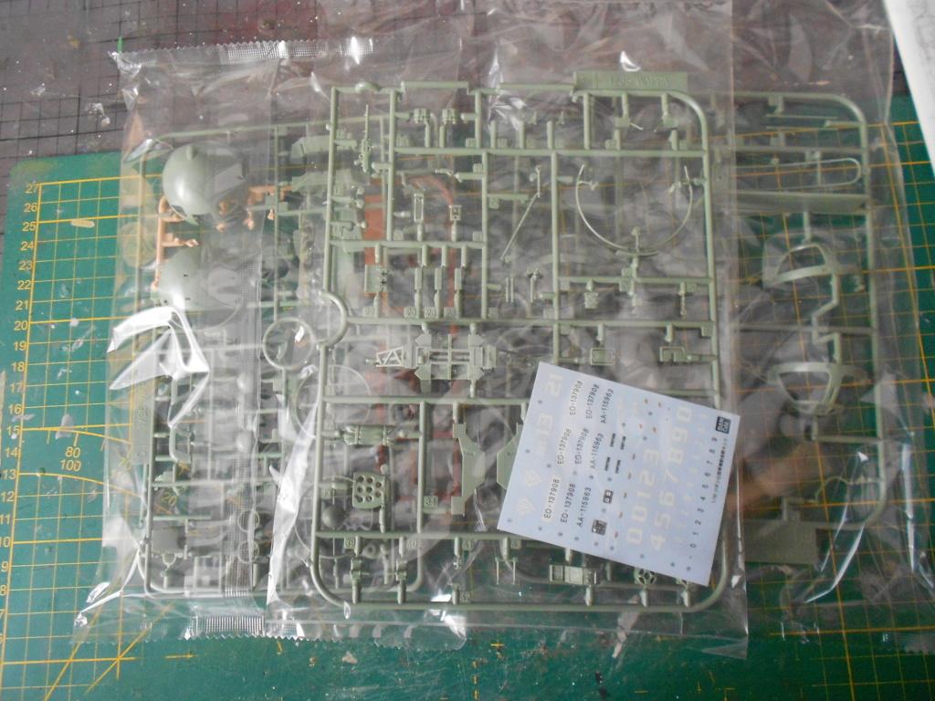 zeon mobile scout set Ban Dai 1/35  Dscn3973