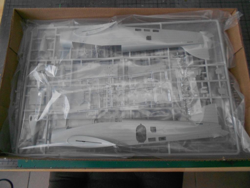 Savoia-Marchetti SM-79-2 Sparviero - Trumpeter 1/48 Dscn4092