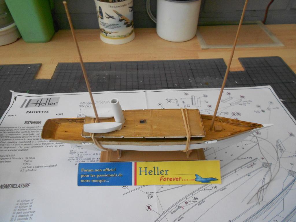 Yacht FAUVETTE 1/200ème Réf 80612 - Page 2 Dscn4815