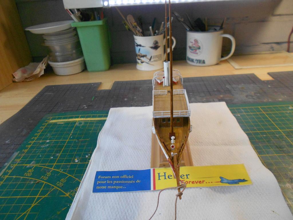 Yacht FAUVETTE 1/200ème Réf 80612 - Page 2 Dscn4831
