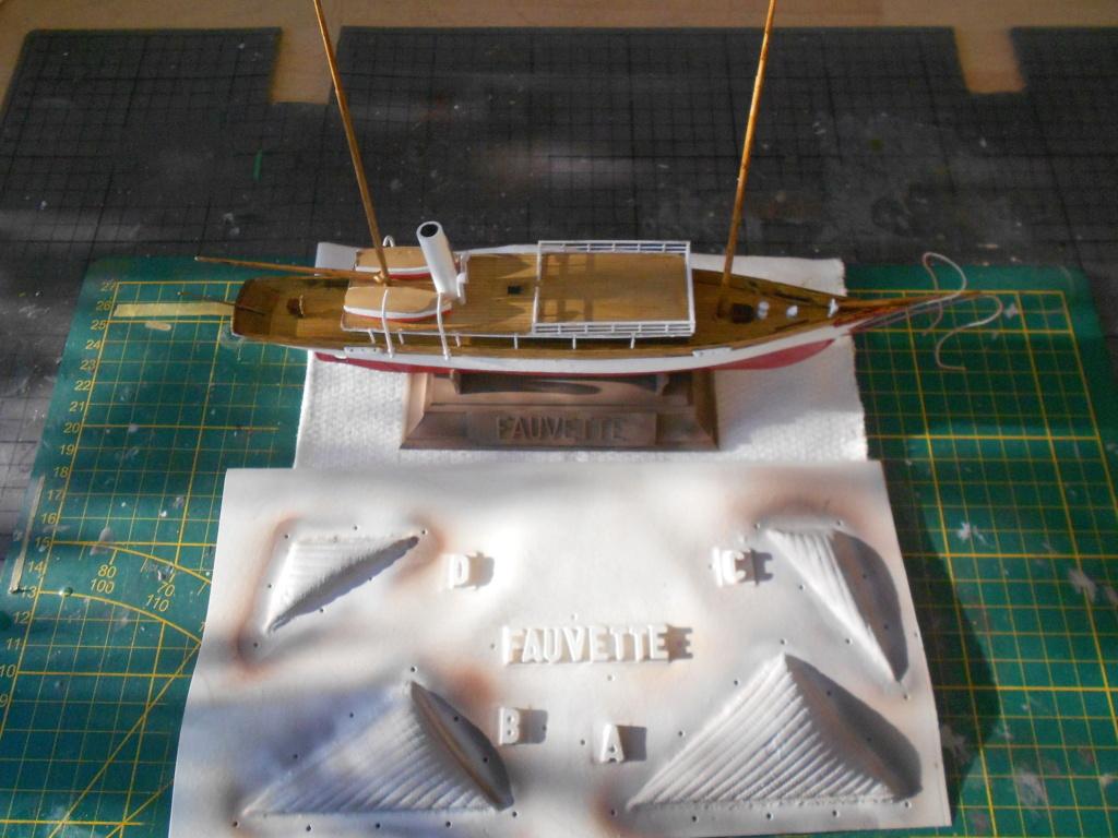 Yacht Fauvette (Heller 1/200°) par dakota59 Dscn4849