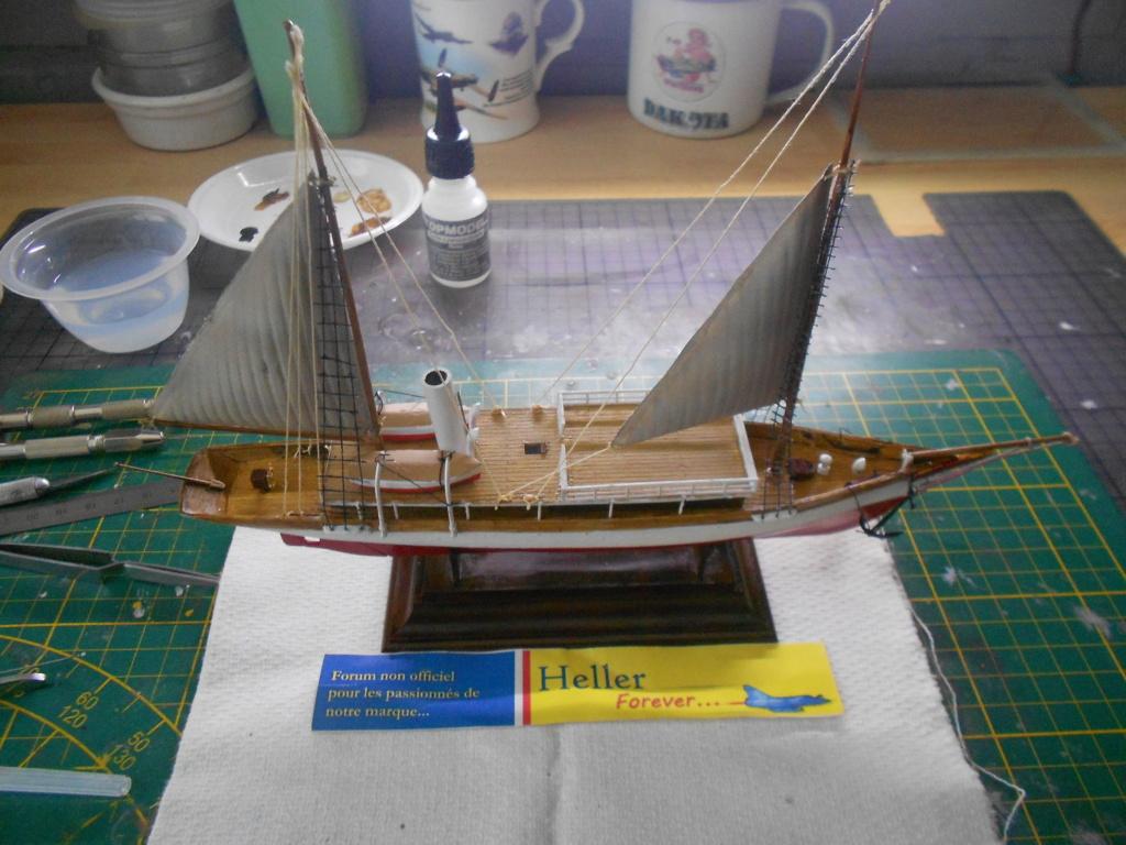 Yacht FAUVETTE 1/200ème Réf 80612 - Page 3 Dscn4883