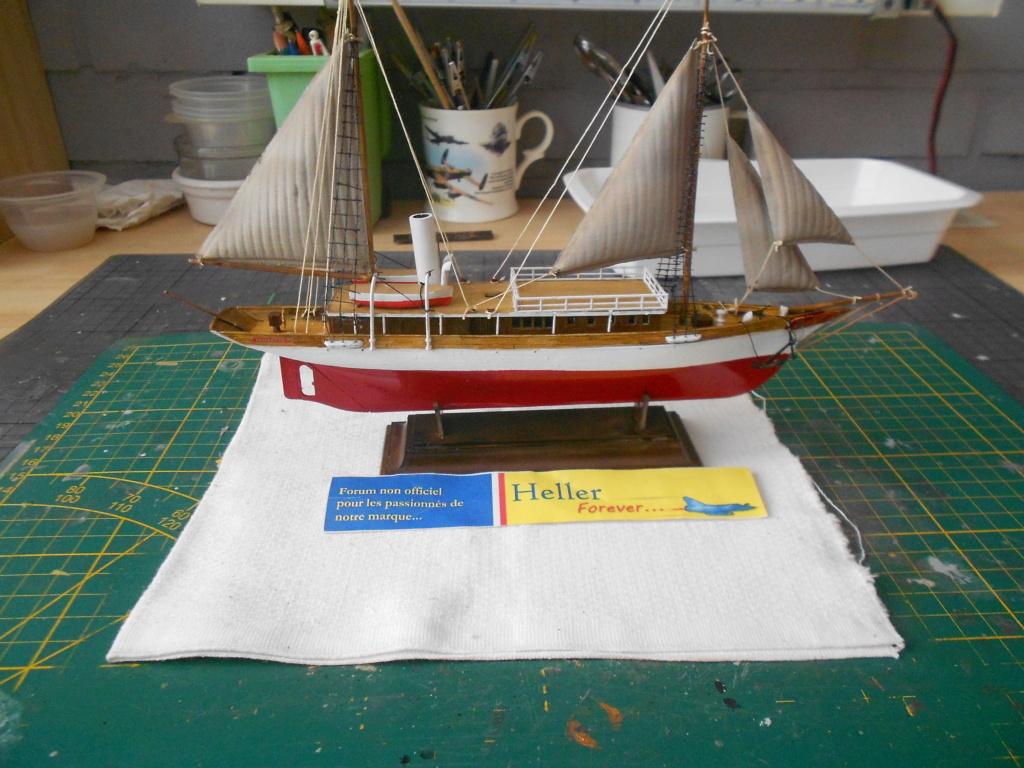 Yacht FAUVETTE 1/200ème Réf 80612 - Page 3 Dscn4895